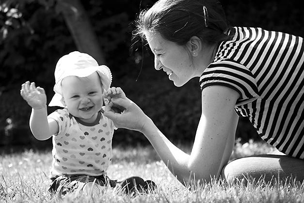 http://www.pogacia-photo.com/files/gimgs/12_babymotherphotobakonyizsuzsapogacia_v2.jpg