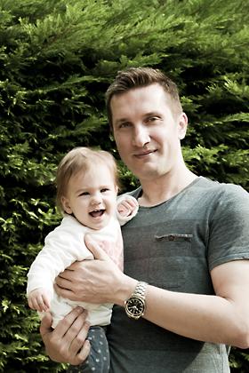 http://www.pogacia-photo.com/files/gimgs/12_bakonyizsuzsababyfamilyphotography36.jpg