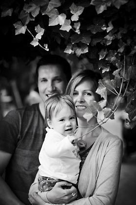 http://www.pogacia-photo.com/files/gimgs/12_bakonyizsuzsababyfamilyphotography45.jpg
