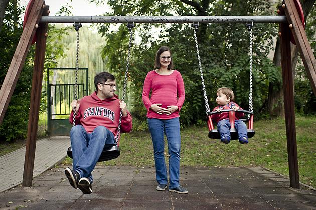 http://www.pogacia-photo.com/files/gimgs/12_bakonyizsuzsafamilyphotographerbudapest4.jpg