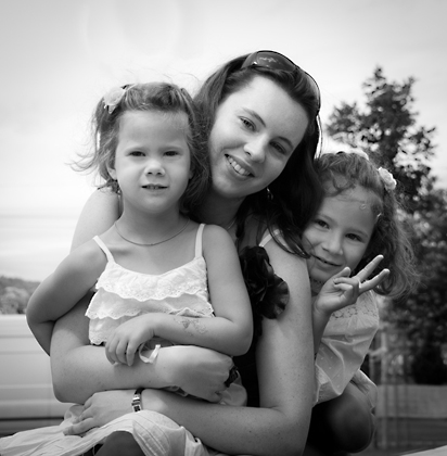 http://www.pogacia-photo.com/files/gimgs/12_familyportraitsbudapestbakonyizsuzsa94.jpg