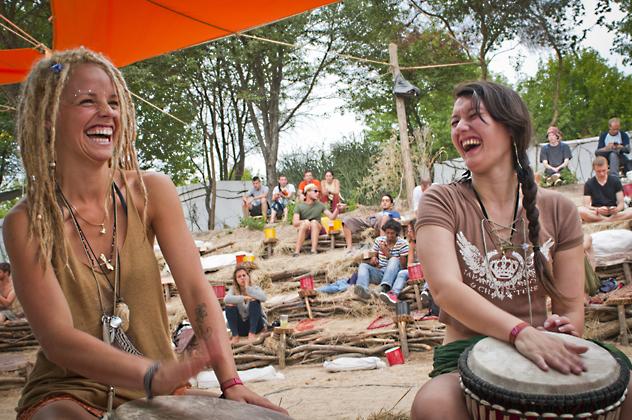 http://www.pogacia-photo.com/files/gimgs/36_bakonyizsuzsasunfestival2013photos16.jpg