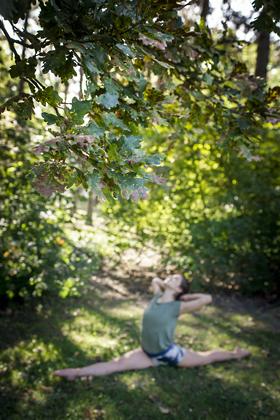 http://www.pogacia-photo.com/files/gimgs/39_yogaphotographybudapestbakonyizsuzsazsu3182.jpg