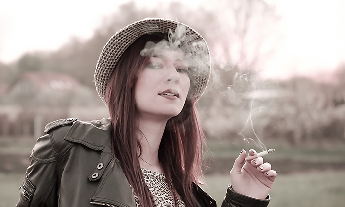 http://www.pogacia-photo.com/files/gimgs/6_portraitcigarettebakonyizsuzsapogacia.jpg