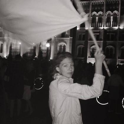 http://www.pogacia-photo.com/files/gimgs/8_bakonyizsuzsaphotographer.jpg