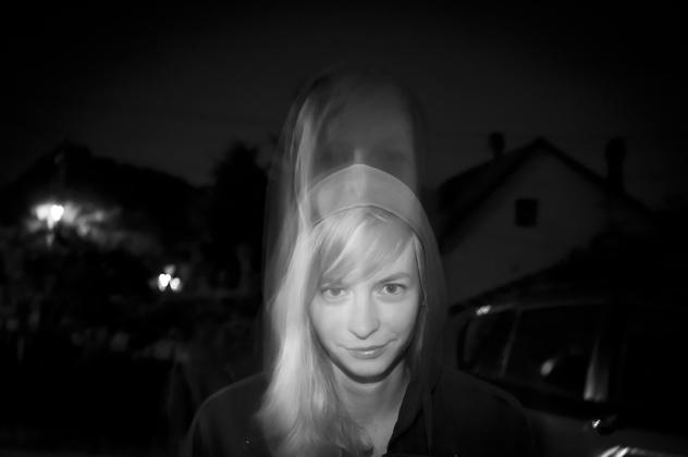 http://www.pogacia-photo.com/hu/files/gimgs/6_bakonyizsuzsaportraitphotography05.jpg